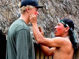 Bemalung indigener Bevölkerung