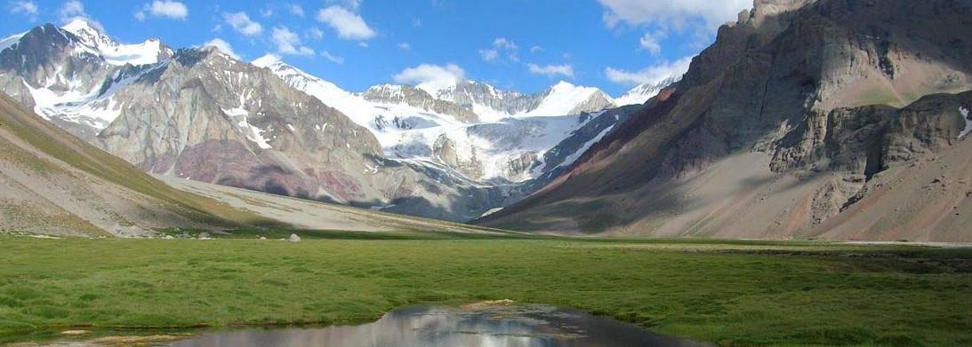 Weinregion Mendoza nahe der Anden in Argentinien