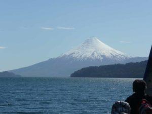 Ausblick auf einen Vulkan in der Seenregion Chile