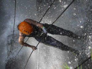 Toller Aktivurlaub mit Rapelling am Wasserfall bei San Gil