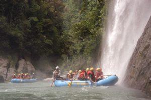 Rafting Tour zum Huacas Wasserfall