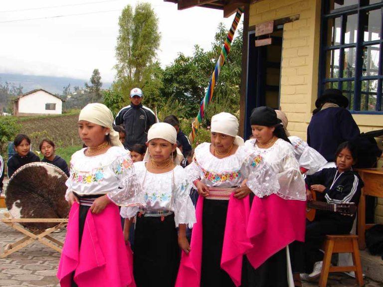 Trachten im Hochland von Ecuador