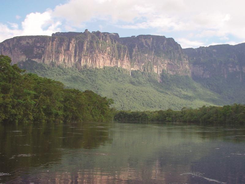Auyantepuy Berg In Venezuela Deutscher Reiseveranstalter Und
