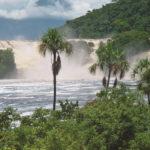 Canaima mit Wasserfällen