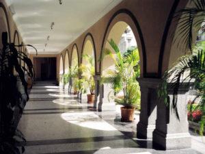 Bogengänge der Merida Universität Venezuela