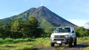 Offroad Tour entlang den Flanken eines Vulkans in Costa Rica
