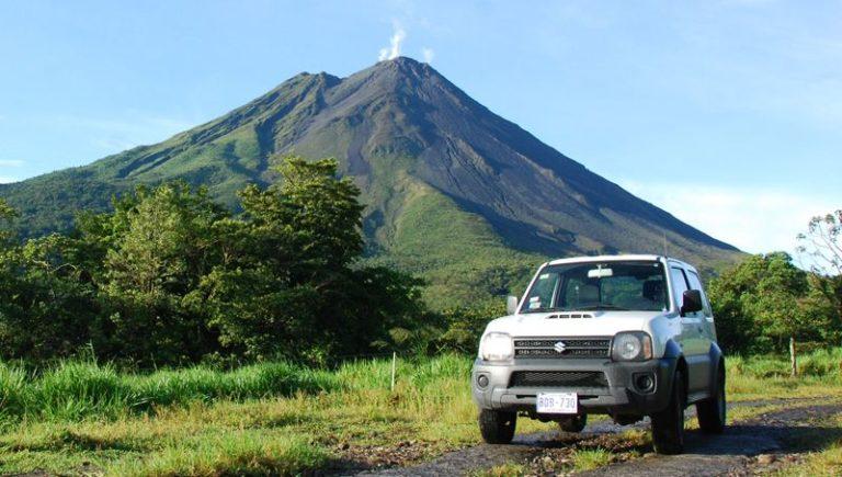 Offraod TOur entlang den Flanken eines Vulkans in Costa Rica